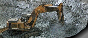 Uranabbau im Tagbau. Die Bagger werden mit Diesel betrieben. Russpartikelfilter?